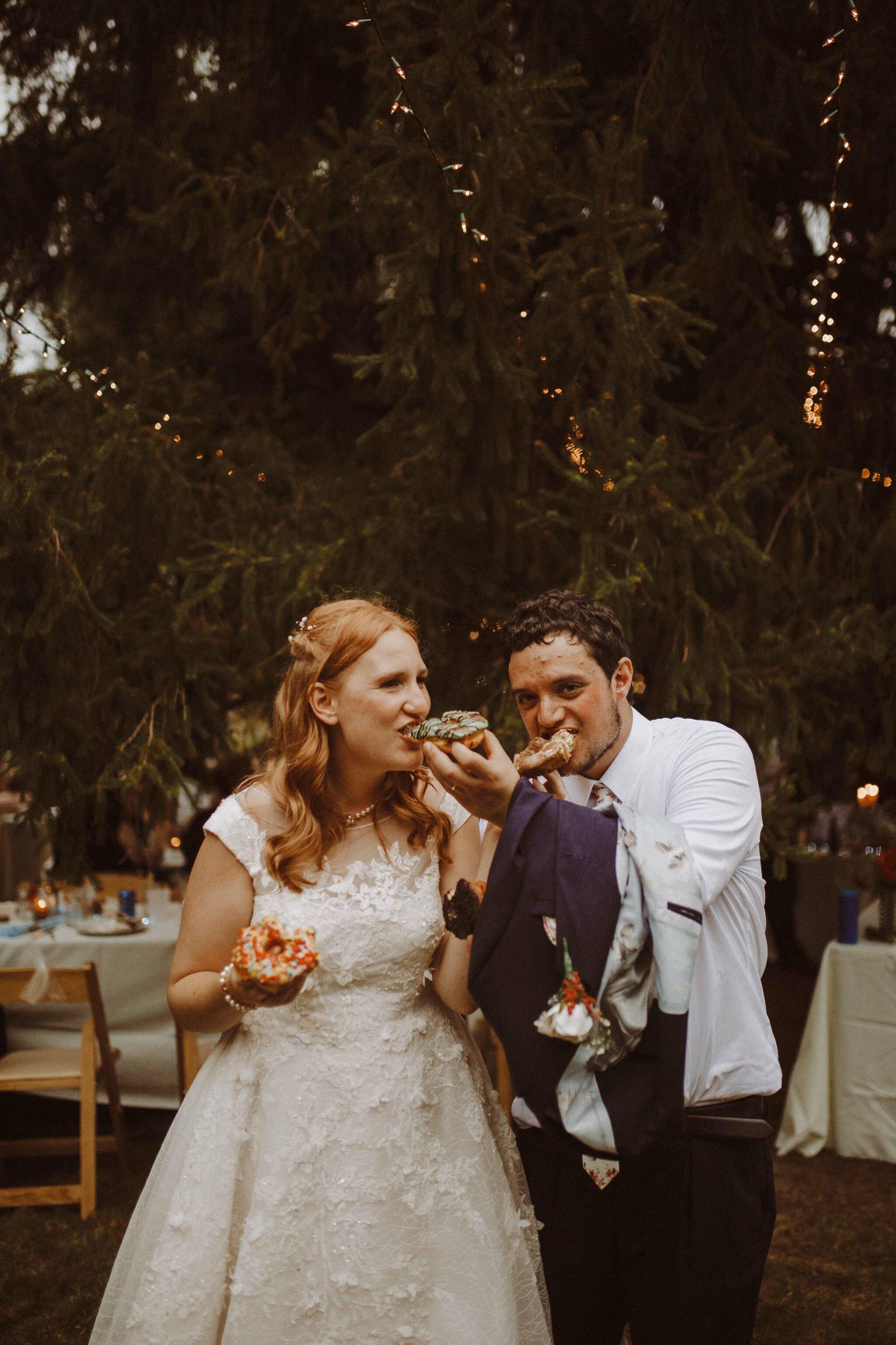 wedding donuts bride groom