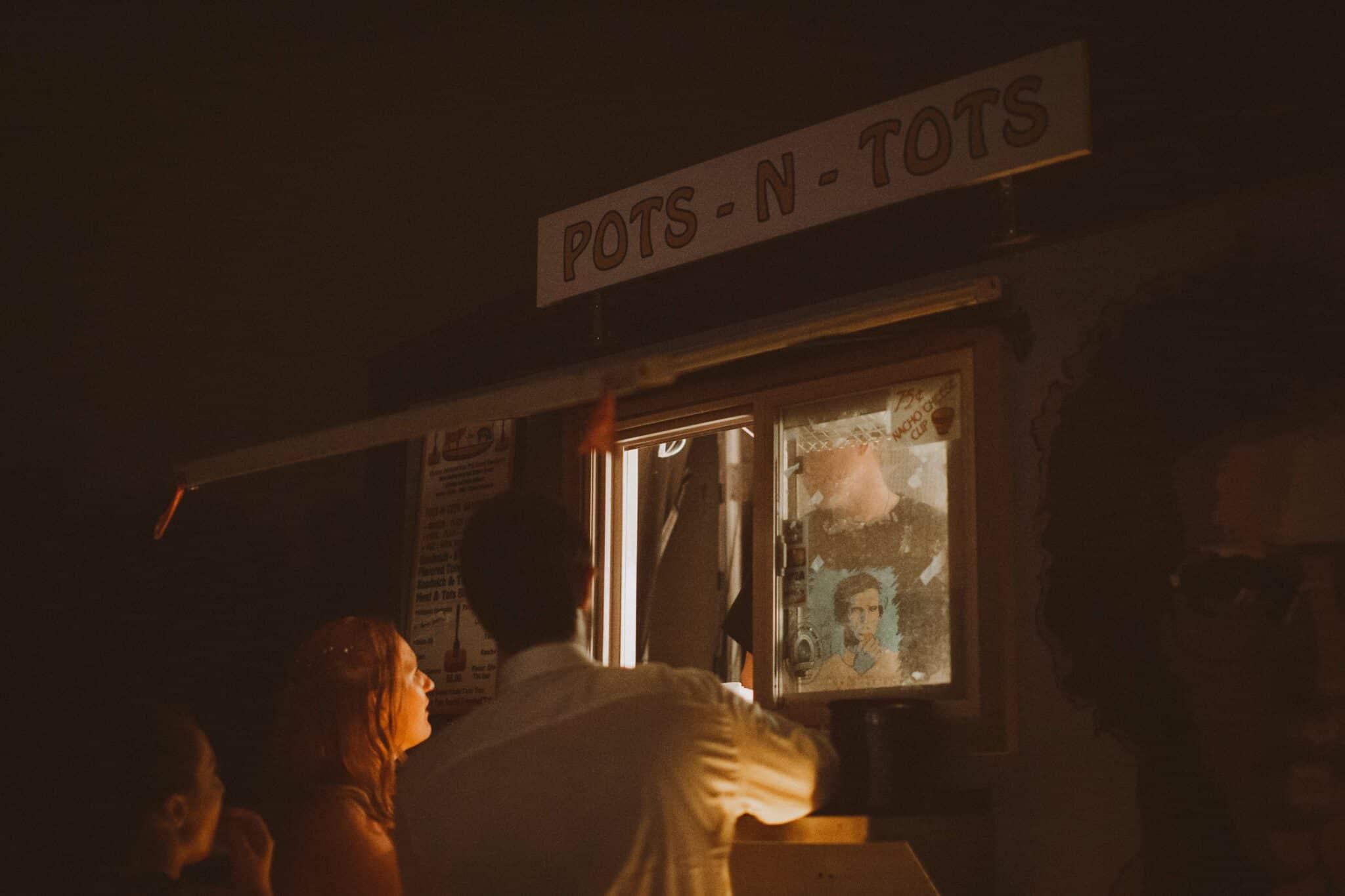 wedding couple food truck